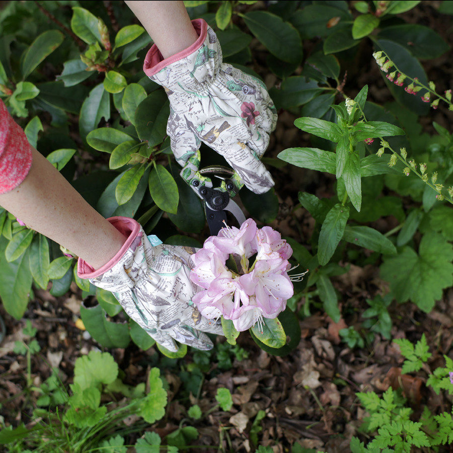 Beautiful Gardening Gloves to protect your mothers hands
