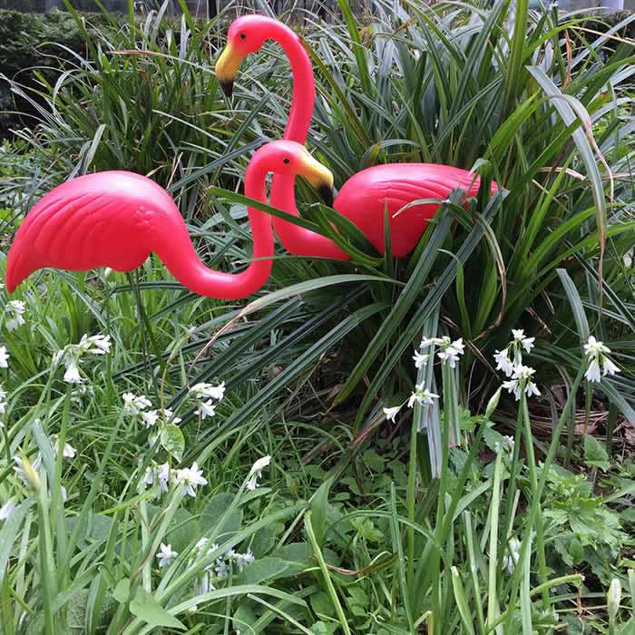 Flamingo garden ornaments uk buy online london shop for Garden accessories online