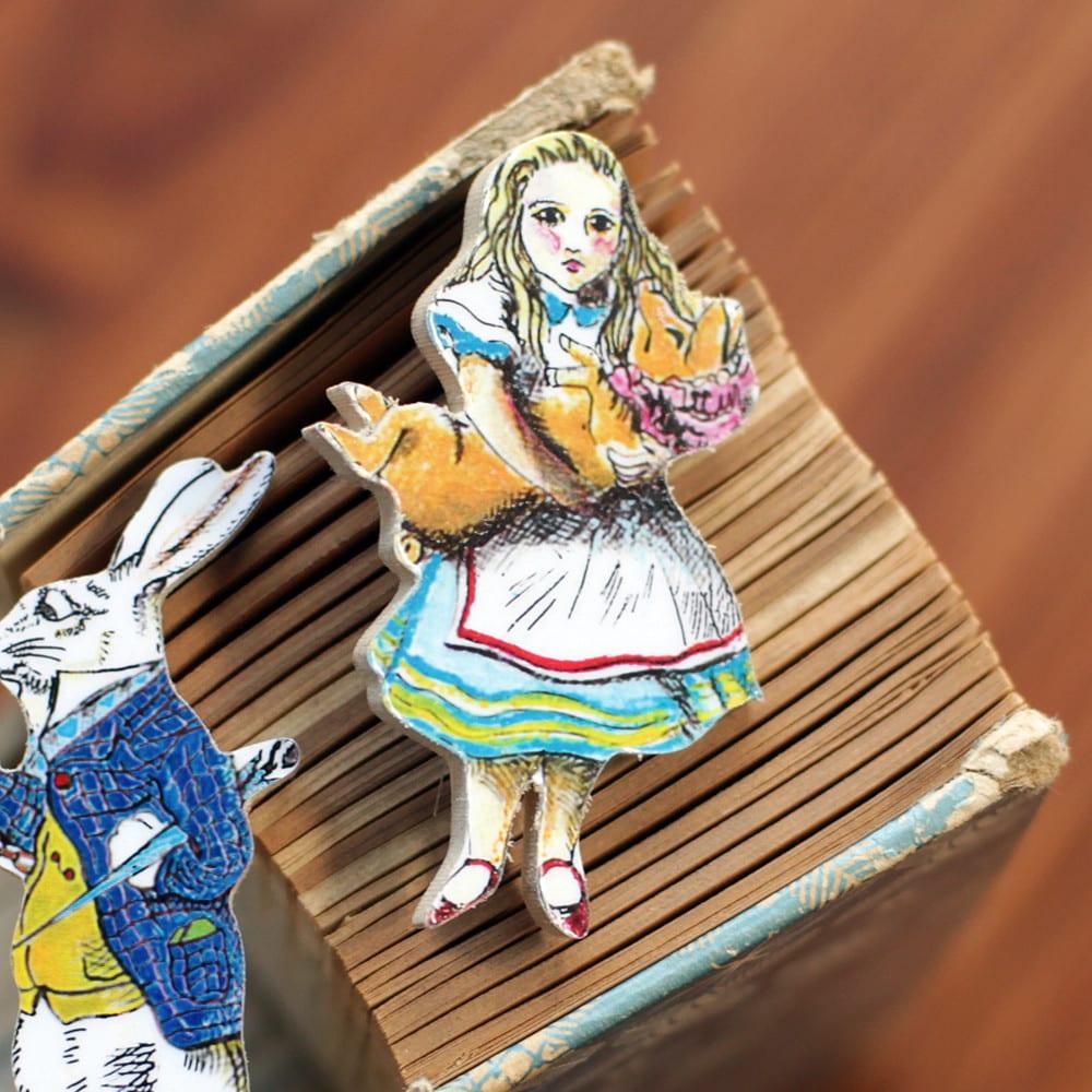 Alice in Wonderland Badge to buy online, UK delivery