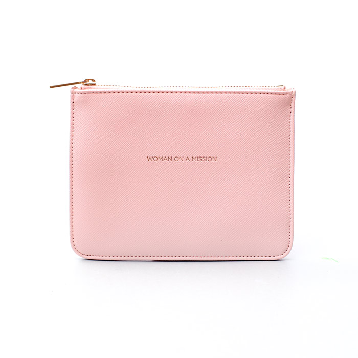 woman-on-mission-pink-purse