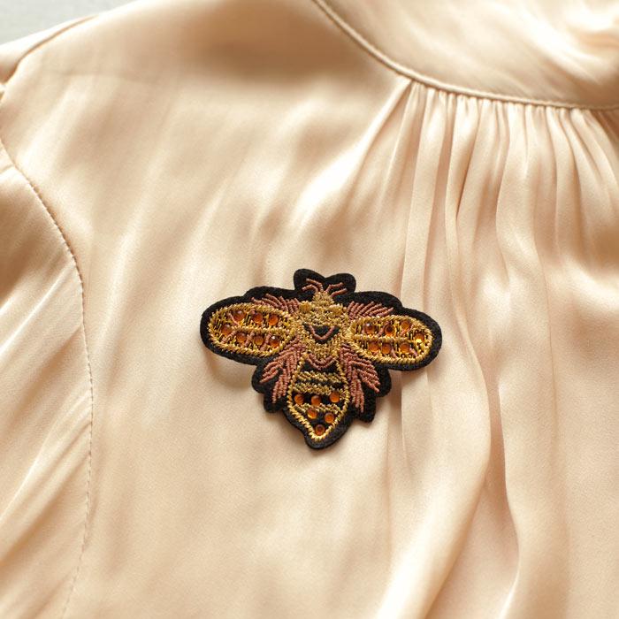 sixton-queen-bee-brooch-3