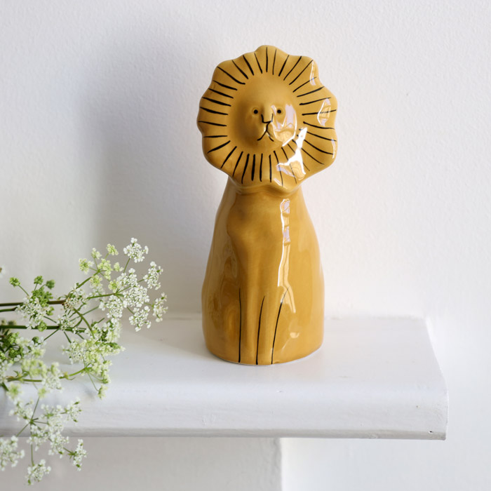 Modernist Lion Ornament - Gisela Graham