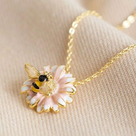 Daisy Necklace with Bumblebee - Buy Online UK