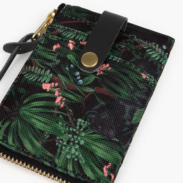 Wouf Janne Card Holder - Sustainable and Practical. Buy Online With Free UK Delivery